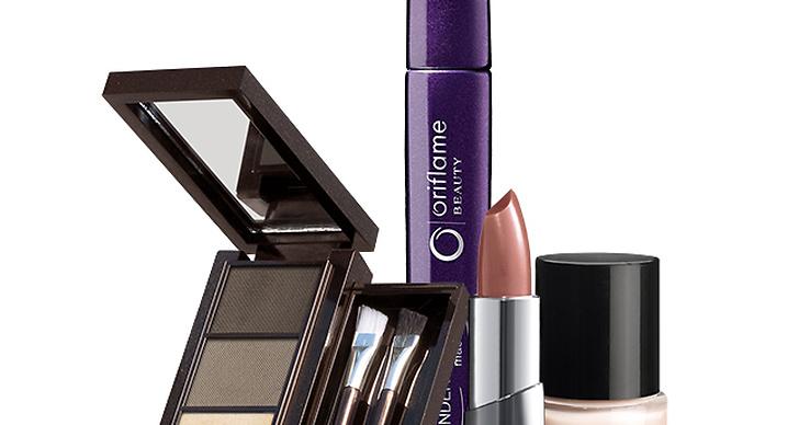I kampanjen ingår 3 olika makeup-kit, bland annat Nude by Elsa.