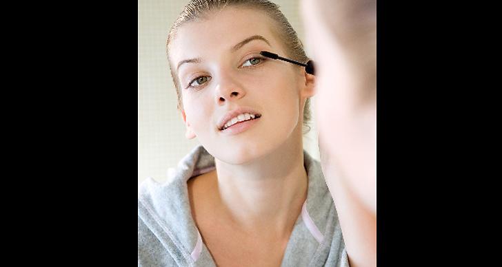 De flesta av oss (43%) tillbringar mellan 10-20 minuter framför spegeln varje morgon.