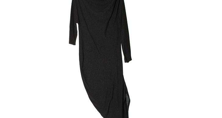 Uppdatera din garderob med ett snyggt enkelt draperat basplagg,  600 kr från Cheap Monday.
