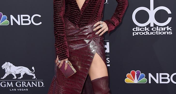 Jennifer Lopez på röda mattan under Billboard Music Award 2018.