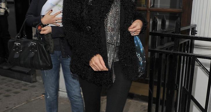 KATE MOSS, 57 miljoner kronor per år. Kate Moss är ett dubbelt hot i modevärlden, med både stora modellkontrakt och designprojekt. Resultaten växer främst tack vare designsamarbetet med den brittiska klädkedjan Topshop.