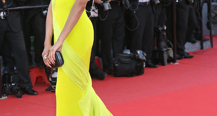 Vad ska man säga om Selita Ebanks? Jag har sällan skådat någon som klär så exceptionellt bra i gult. Kan inte sluta titta!