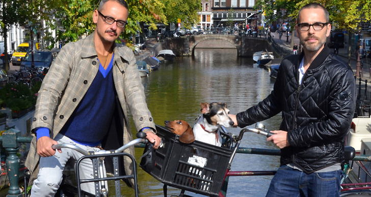 Viktor & Rolf är födda och uppvuxna i Holland, det är även där de gått konstutbildning ihop.