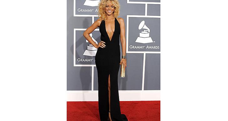 2012 Gled hon in på Grammy Awards i en URSNYGG klänning och blonderat hår!
