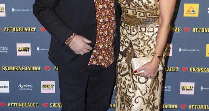 Anders Bagge och Johanna Lind på röda mattan på Svenska Hjältar 2018.