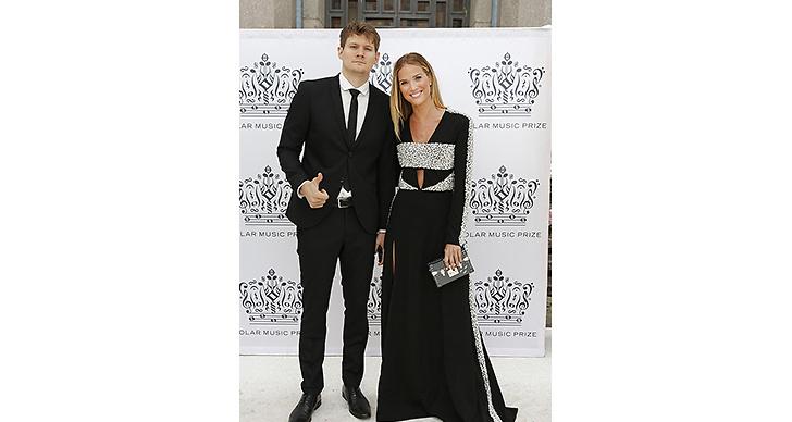 Marie Serneholt tillsammans med pojkvännen Johan Gunterberg – Så söta!