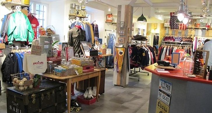 Deras butik i Stockholm ligger på Gamla Brogatan