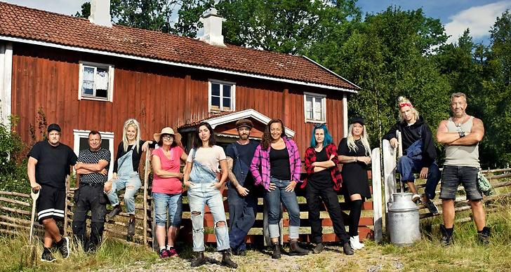 Gruppbild på alla deltagare i Farmen 2019.