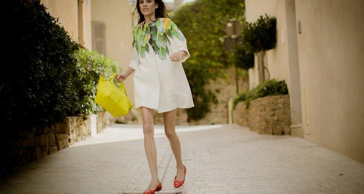 Hon blev bokad efter att modellen dj:at på Longchamps öppningsfest av deras flaggskeppsbutik i London i September.