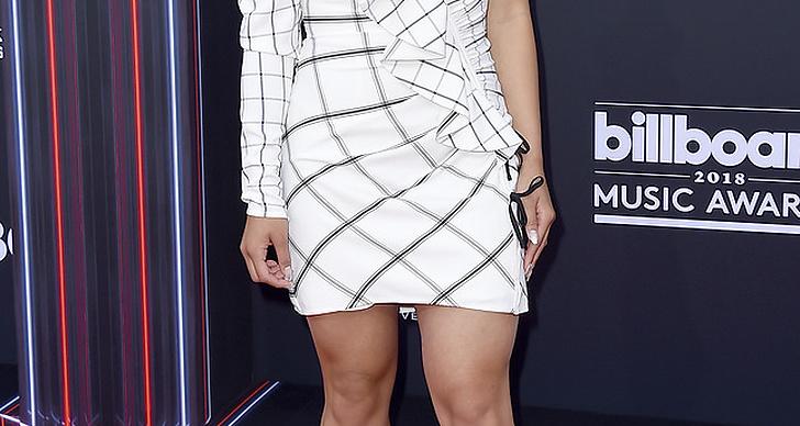 Chloe Kim på röda mattan under Billboard Music Award 2018.