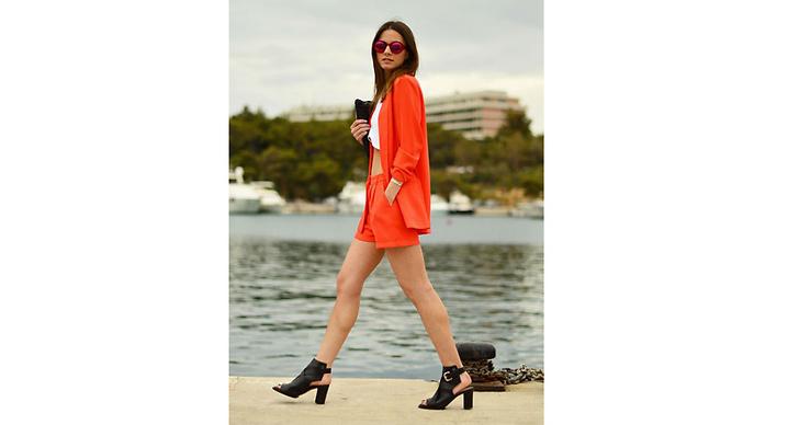 3. Shorts i röda nyanser