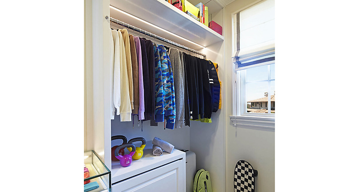 Utöver kläder finns här även träningsredskap och allt annat man kan behöva för en aktiv livsstil.