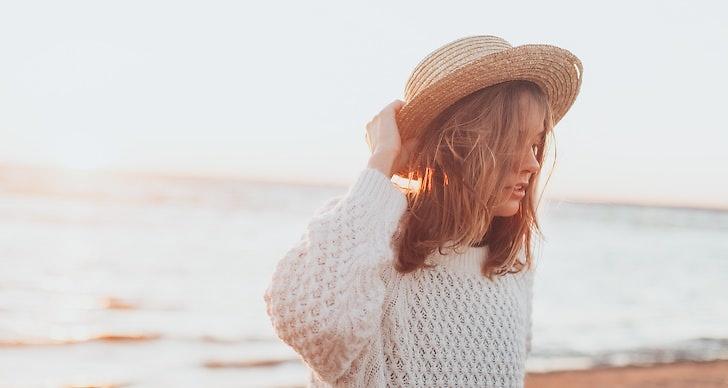 Tips på hur du vårdar håret så det inte slits på sommaren.