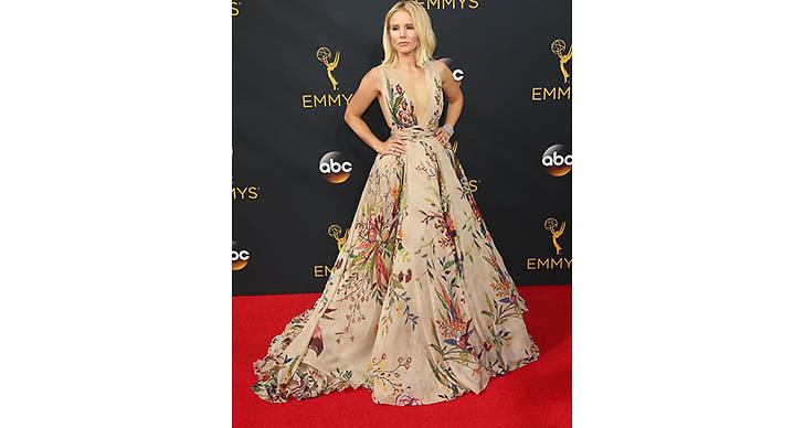 Kristen Bells blommiga klänning är helt underbar.
