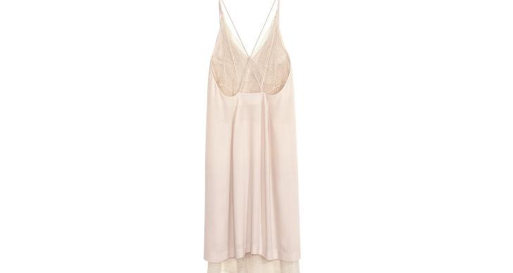 Klänning med spetsrygg från H&M, ca 500 kr.