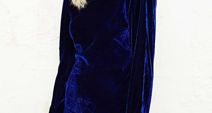 7. Vintage-klänning i blå sammet kostar ca 456 kronor på Urban Outfitters.