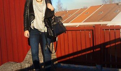 Therese Hollgren, Skonhet, Nyår 2010, Michaela Forni, Frida Fahrman
