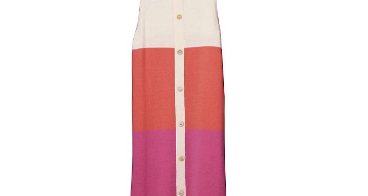 Flerfärgad klänning med knappar.