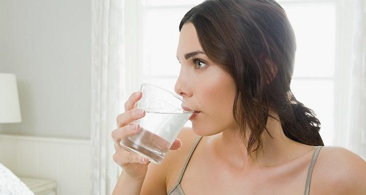 Drick vatten för fin hy. 1,5-2 liter om dagen är lagom.